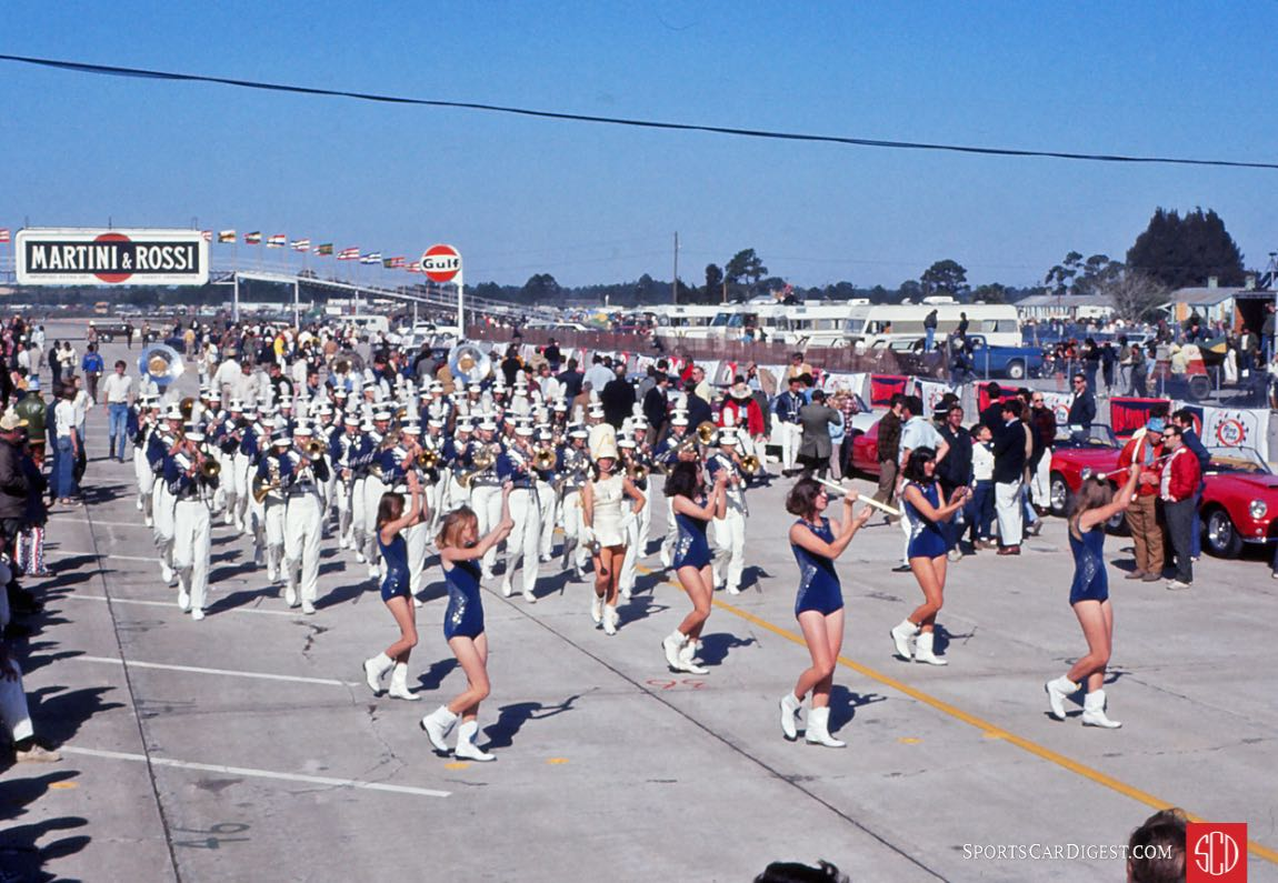 Sebring High School marching band (Photo: Gene Bussian)