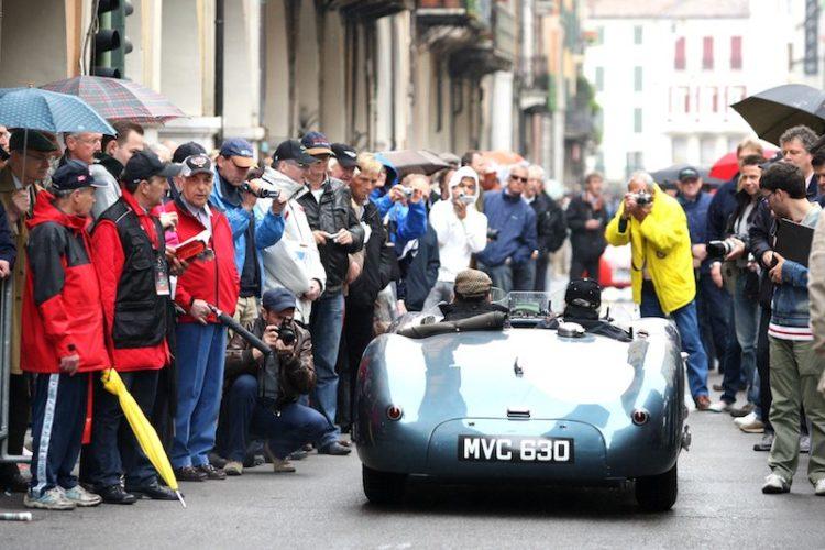 Fighting the crowds in Brescia