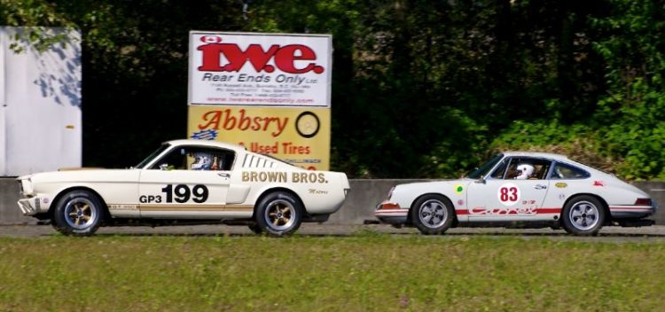 Mustang and Porsche - Exit of turn 2