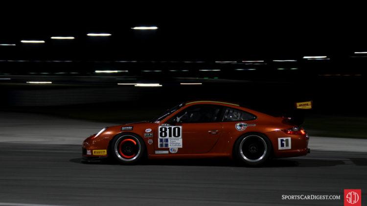 Juan Lopez-Santini, 08 Porsche 997 Cup, braking hard.