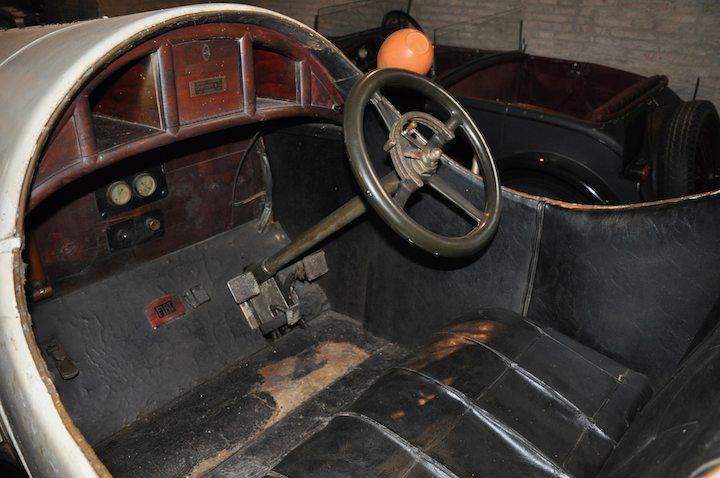 Interior of 1918 Fiat Chiribiri