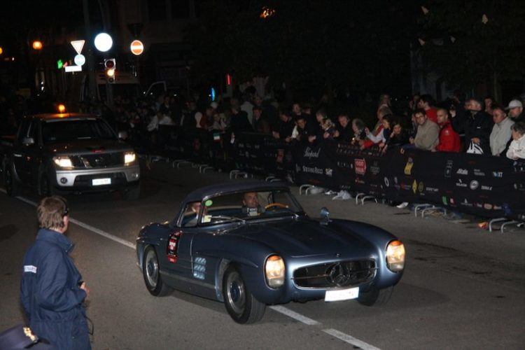 Mercedes-Benz Support Car