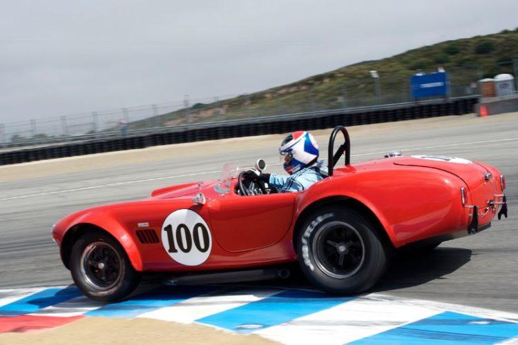 1964 Cobra driven by Lorne Leibel in turn 11.
