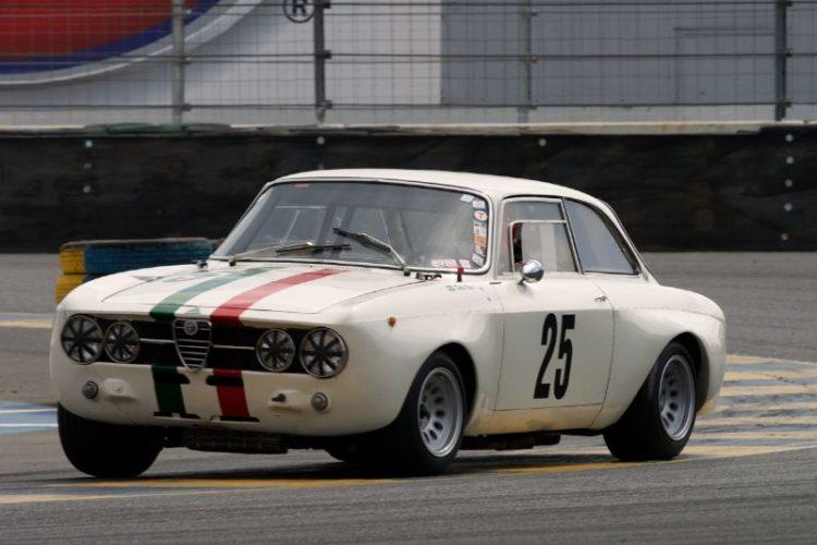 Fred Della Noce's 1967 Alfa Romeo GTAm in turn eleven.