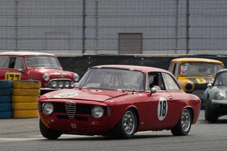 Stephen Chamberlin's 1965 Alfa Romeo Giulia in eleven.