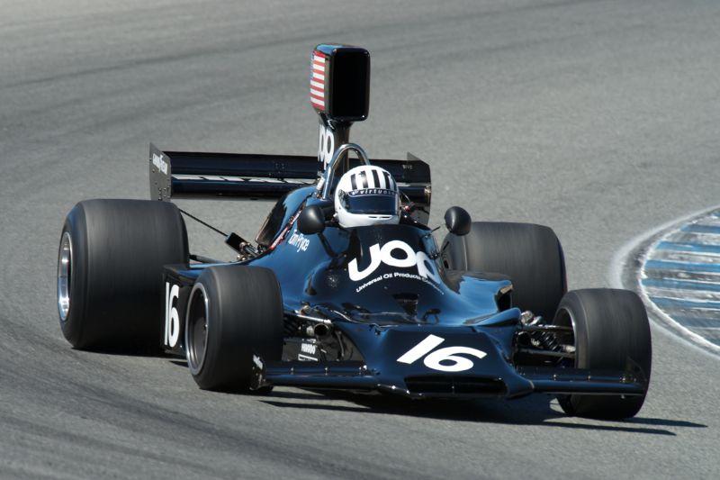 Shadow DN3 driven by Harindra de Silva in turn five.