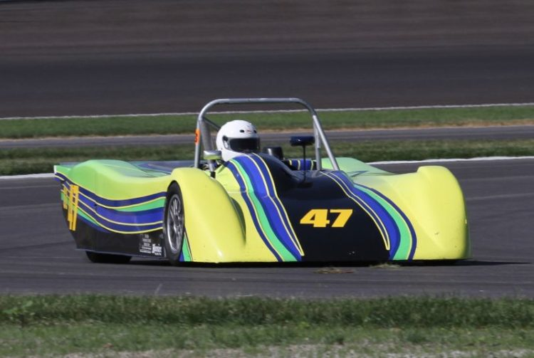 Glenn Jividen Jr. in the beautiful 00 Carbir CS2.