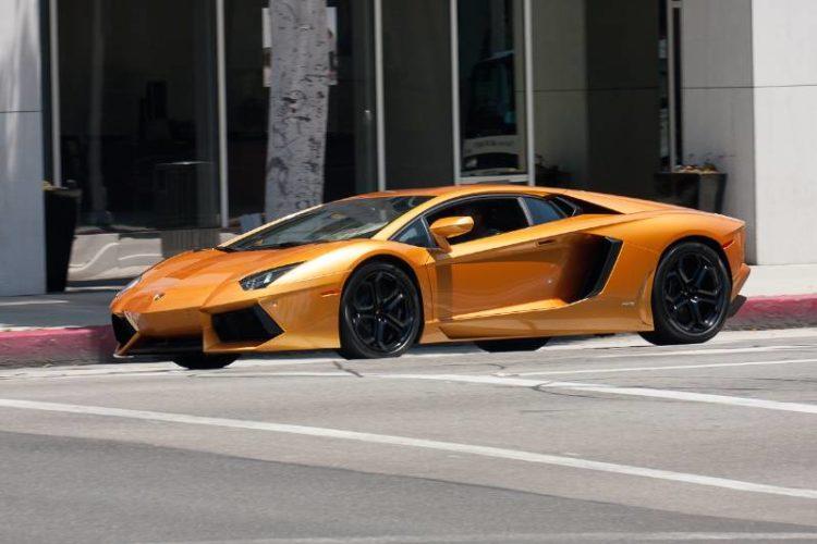 Out for a cruise, a Lamborghini Aventador LP 700-4.