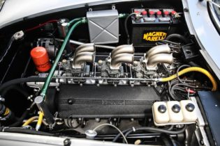 Cngine bay of chassis 09051 and its unique three Weber 40 DFI carburetor setup (Photo: Mathieu Heurtault)