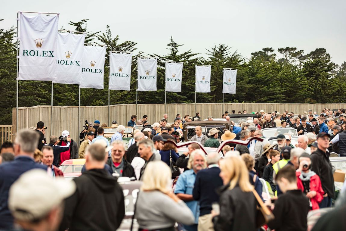 Crowd at the start of the Pebble Beach Tour d'Elegance 2017
