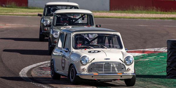 minis racing masters