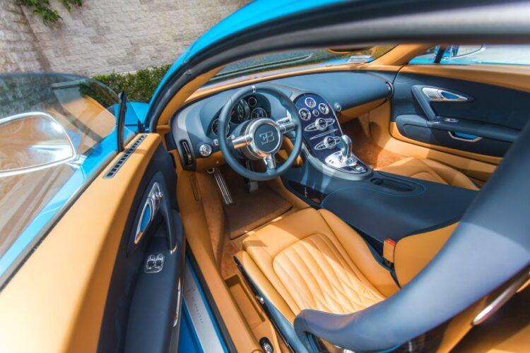 Bugatti Veyron 16.4 Grand Sport Vitesse inside
