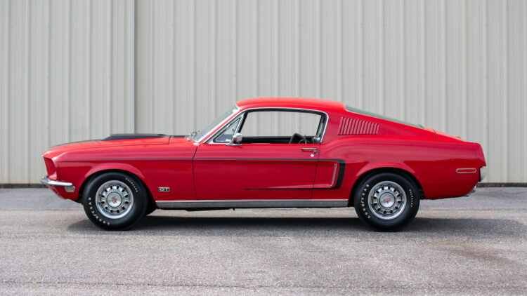 Side profile of 1968 Ford Mustang