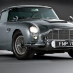 Aston Martin DB5- Heroes and Legend