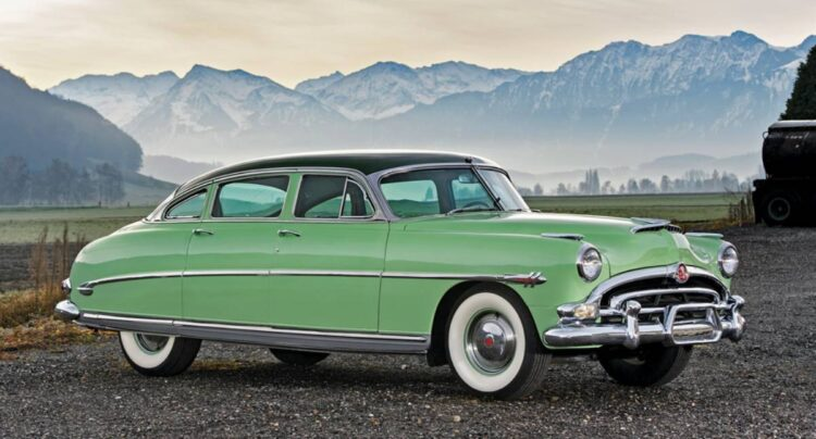Hudson Hornet side profile