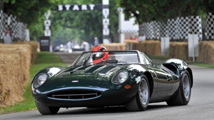 Jaguar XJ13 racing
