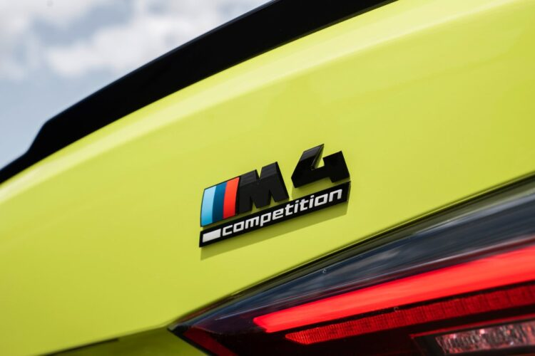 rear lights of m4