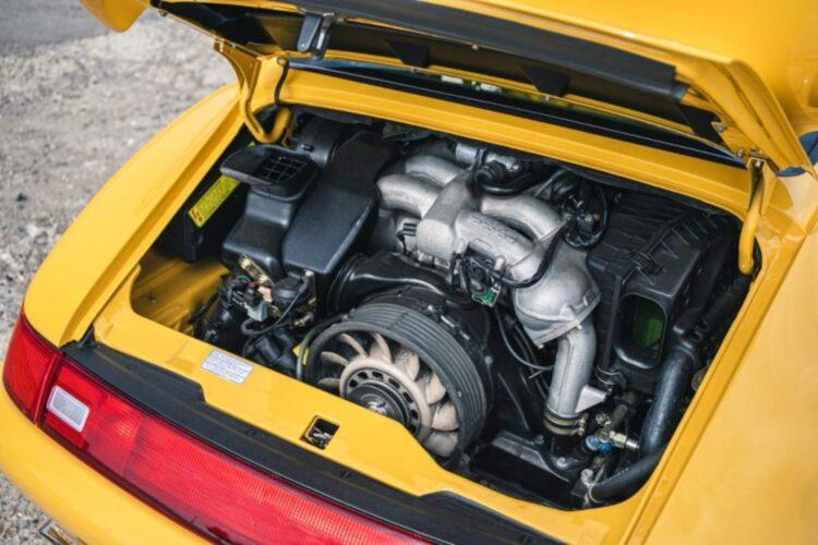 engine of 1996 Porsche 911 (993) Carrera RS