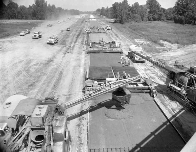 Construction of Interstate 55. (Missourian archives, G.D. Fronabarger photo)