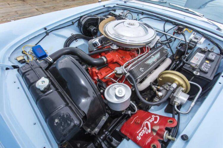 engine of 1957 Ford Thunderbird