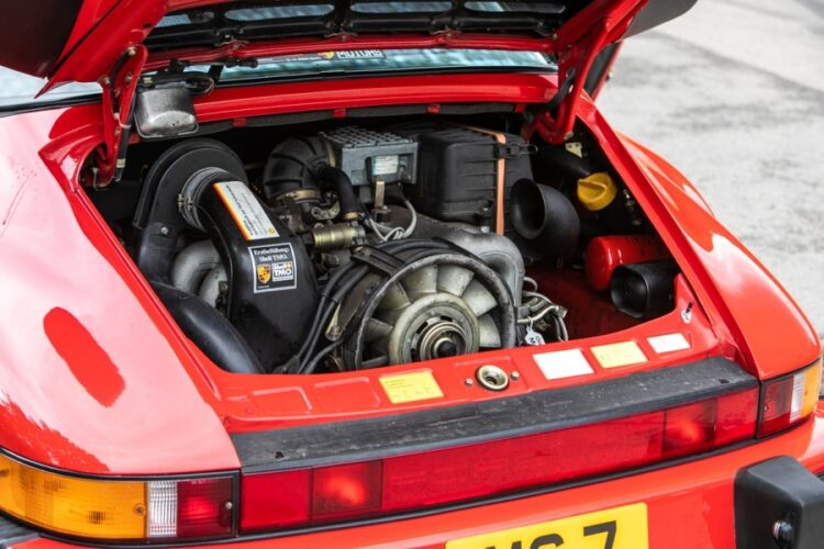 Engine of 1989 Porsche 911 Carrera SSE Targa