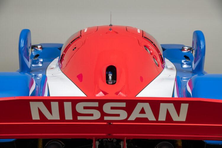 back of 1990 Nissan NPT-90