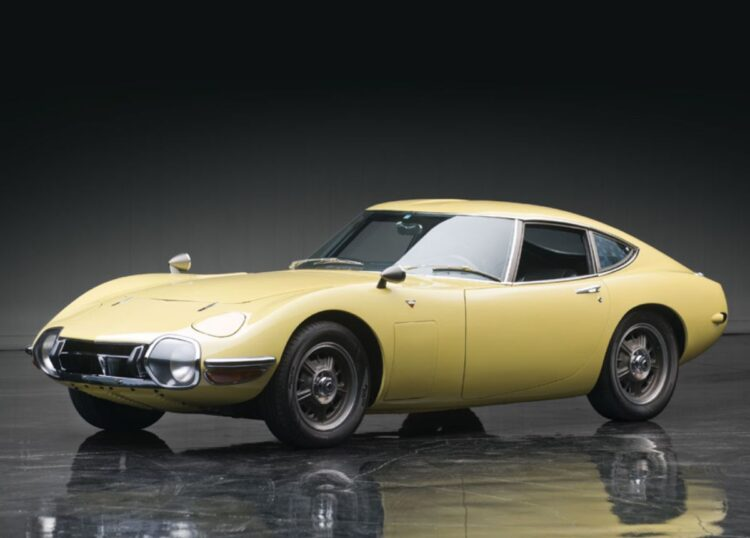Toyota 2000GT sold for $1.15 million in 2013