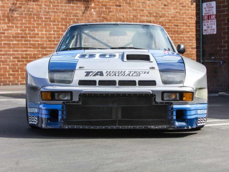 Porsche 924 GTR front