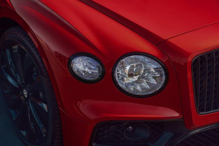 headlights of Bentley Flying Spur V8