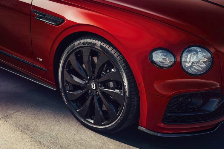 wheels of Bentley Flying Spur V8