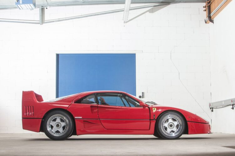 side profile of 1990 Ferrari F40