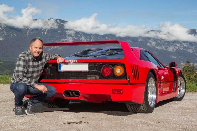 Gerhard Berger in front of 1990 Ferrari F40