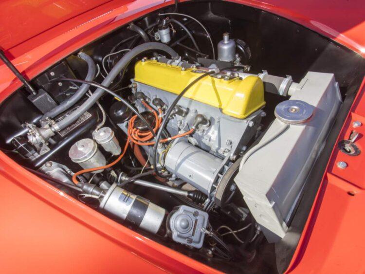Engine of the lotus Type 14