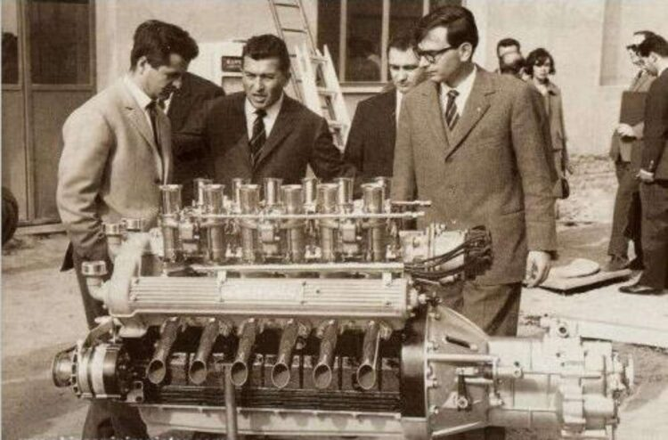 Giotto Bizzarrini, Ferruccio Lamborghini and Gian Paolo Dallara with the Lamborghini V12 engine