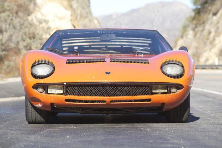 Front of Lamborghini Miura P400