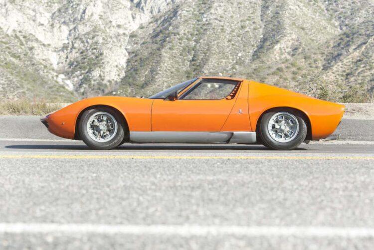side profile of 1967 Lamborghini Miura P400
