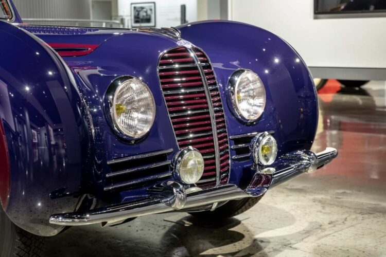 grill of 1938 Delahaye Type 145 Coupe by Chapron