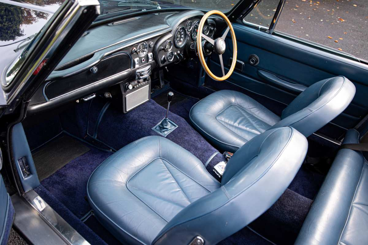 Aston Martin Db6 Vantage Volante Interior 1 Sports Car Digest The Sports Racing And Vintage Car Journal