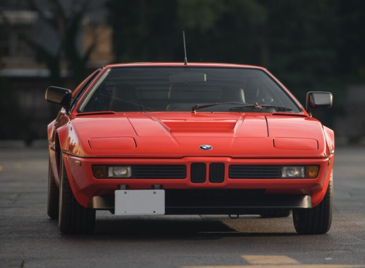 front of BMW M1