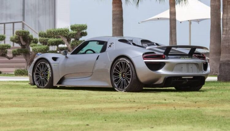 rear of porsche 918 Spyder