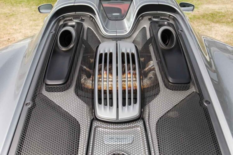 Engine of Porsche 918 Spyder