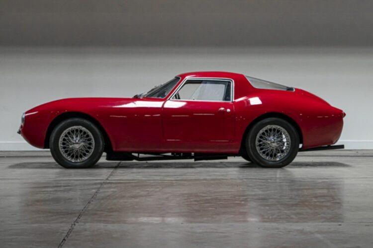 side profile of 1953 Alfa Romeo 1900 Speciale