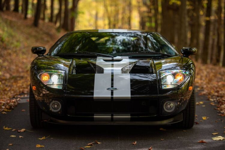front of 2005 Ford GT