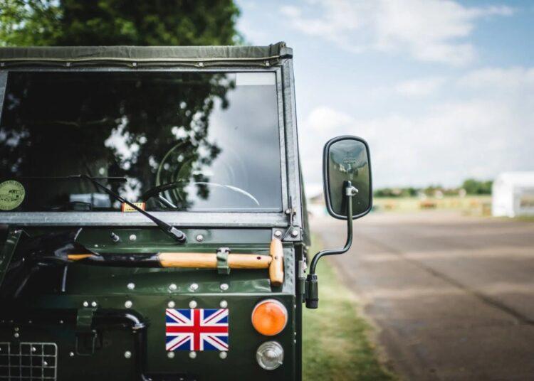 Land Rover Legends at Thruxton Circuit