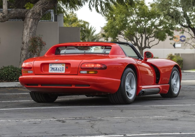 rear of Dodge Viper