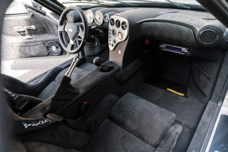Noble 400 interior