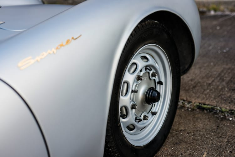 Tires of Porsche 550 Spyder