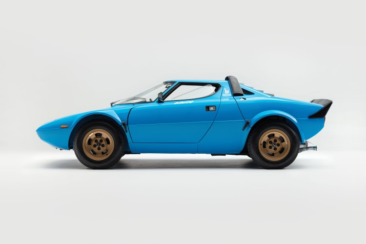 side profile of Lancia Stratos HF