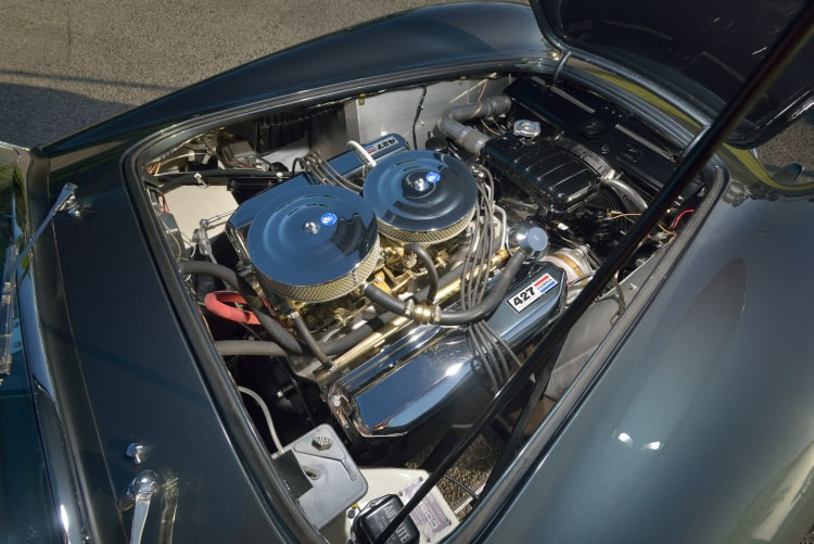 Engine of 427 Shelby Cobra