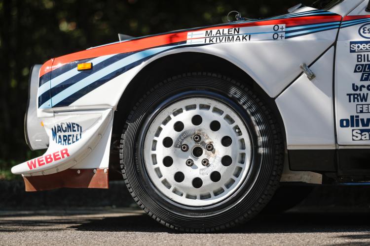 Pirelli P7 tires